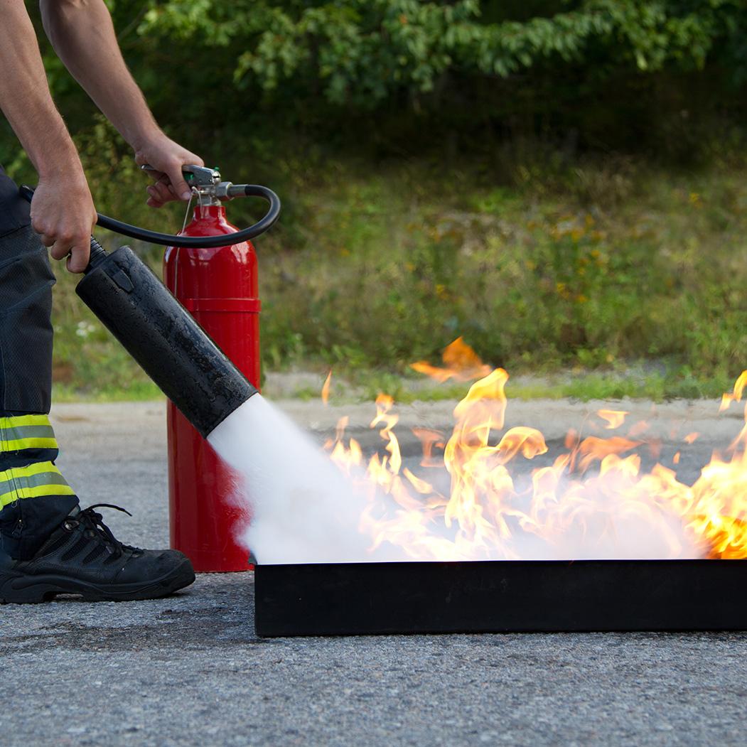 Brandbestrijding eenvoudige blusmiddelen
