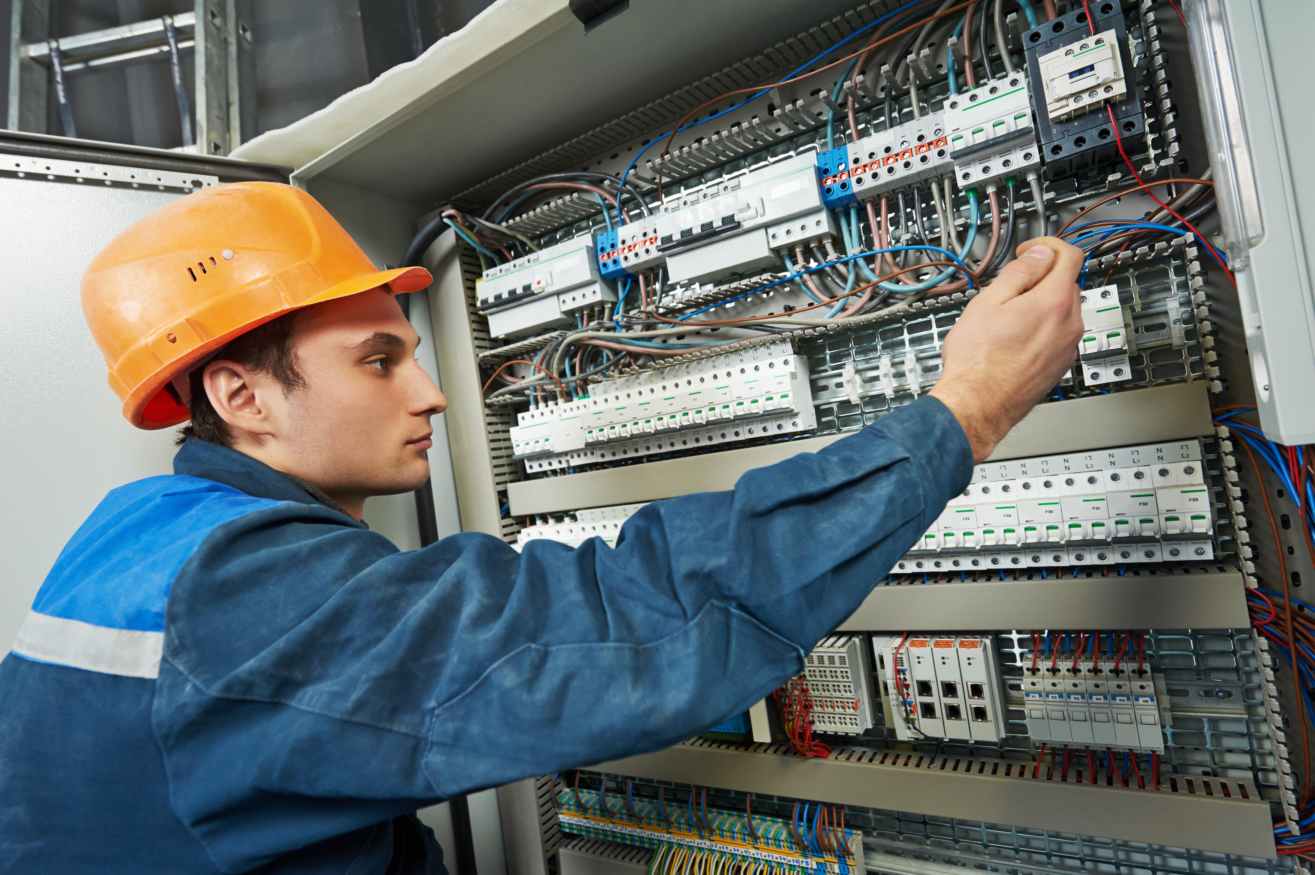 https://www.praxistraining.be/images/TRAININGEN2/ELEKTRICITEIT/elektriciteit-mekaniekers-opleiding.jpg